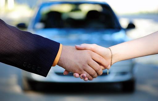 Como comprar motos e carros com desconto pelo leilão da receita federal
