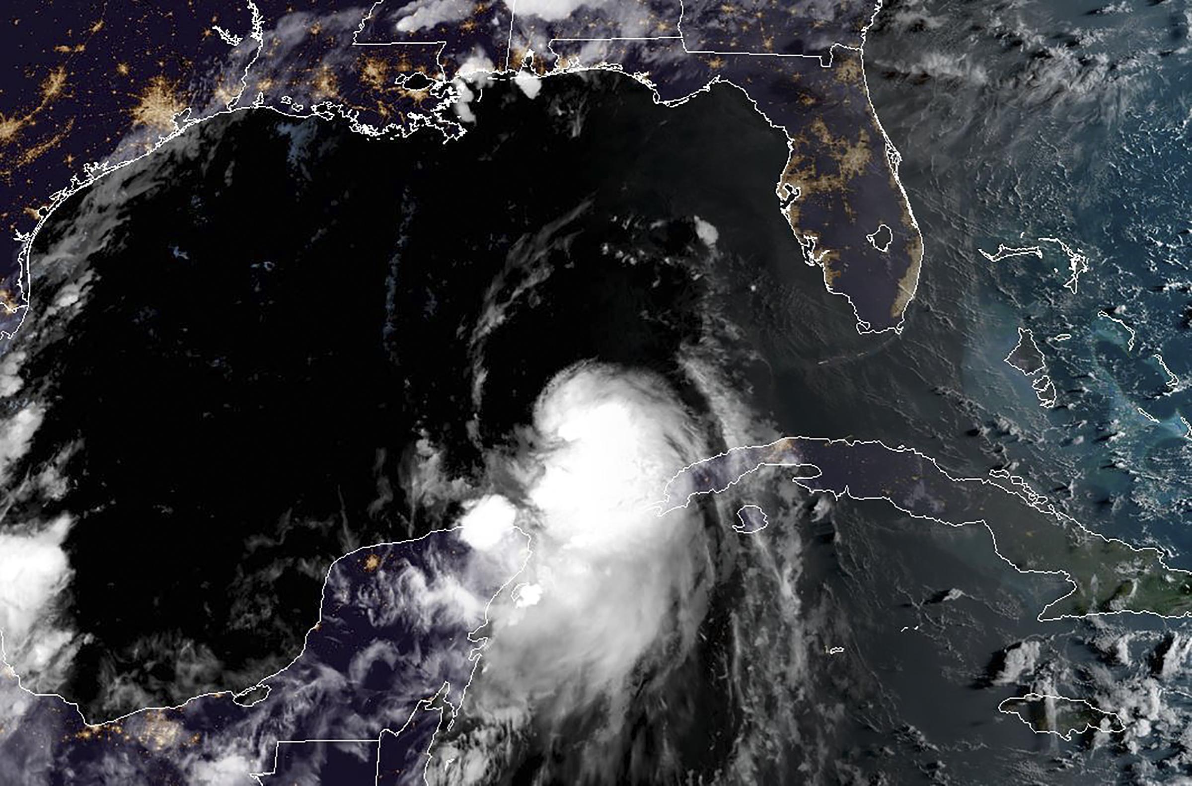 Furacão Laura: EUA podem ser atingidos por furacão Laura nesta quarta-feira | VEJA