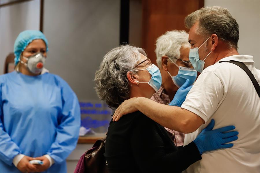 Saúde das famílias preocupa médicos que atuam no combate à Covid-19 | Jovem  Pan
