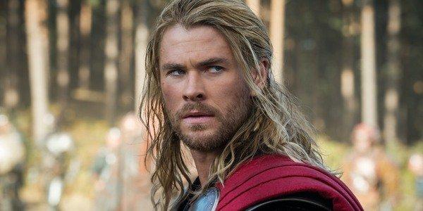 Chris Hemsworth como Thor em Dark World