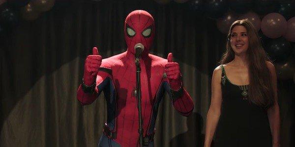 Tom Holland e Marisa Tomei em Homem-Aranha: Longe de Casa