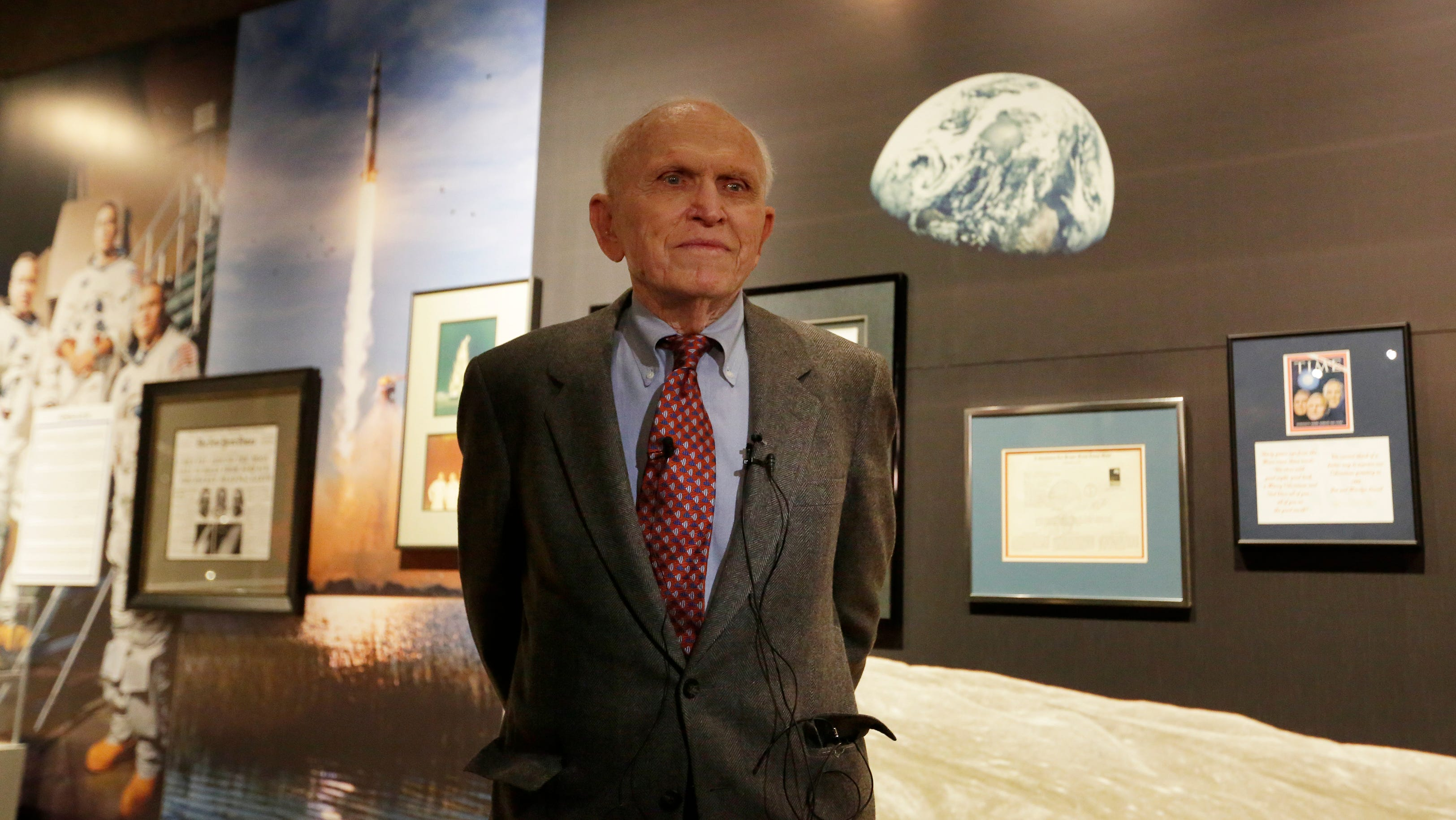 EAA opens exhibit on Frank Borman, commander of Apollo 8
