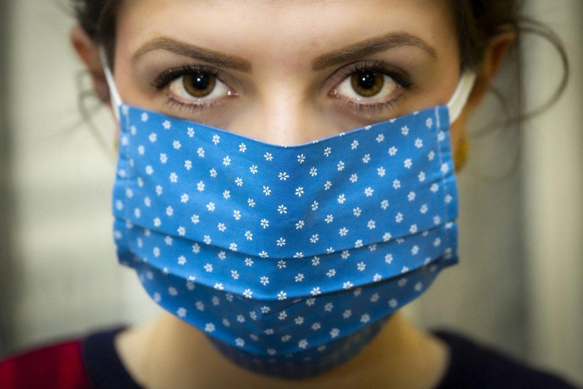 Uso de máscaras caseiras contribui para reduzir o contágio da ...