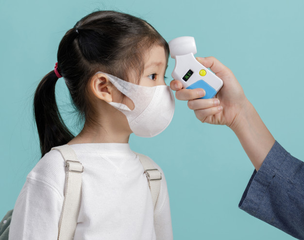 Mom and asian little child girl wearing respirator mask to protect ...