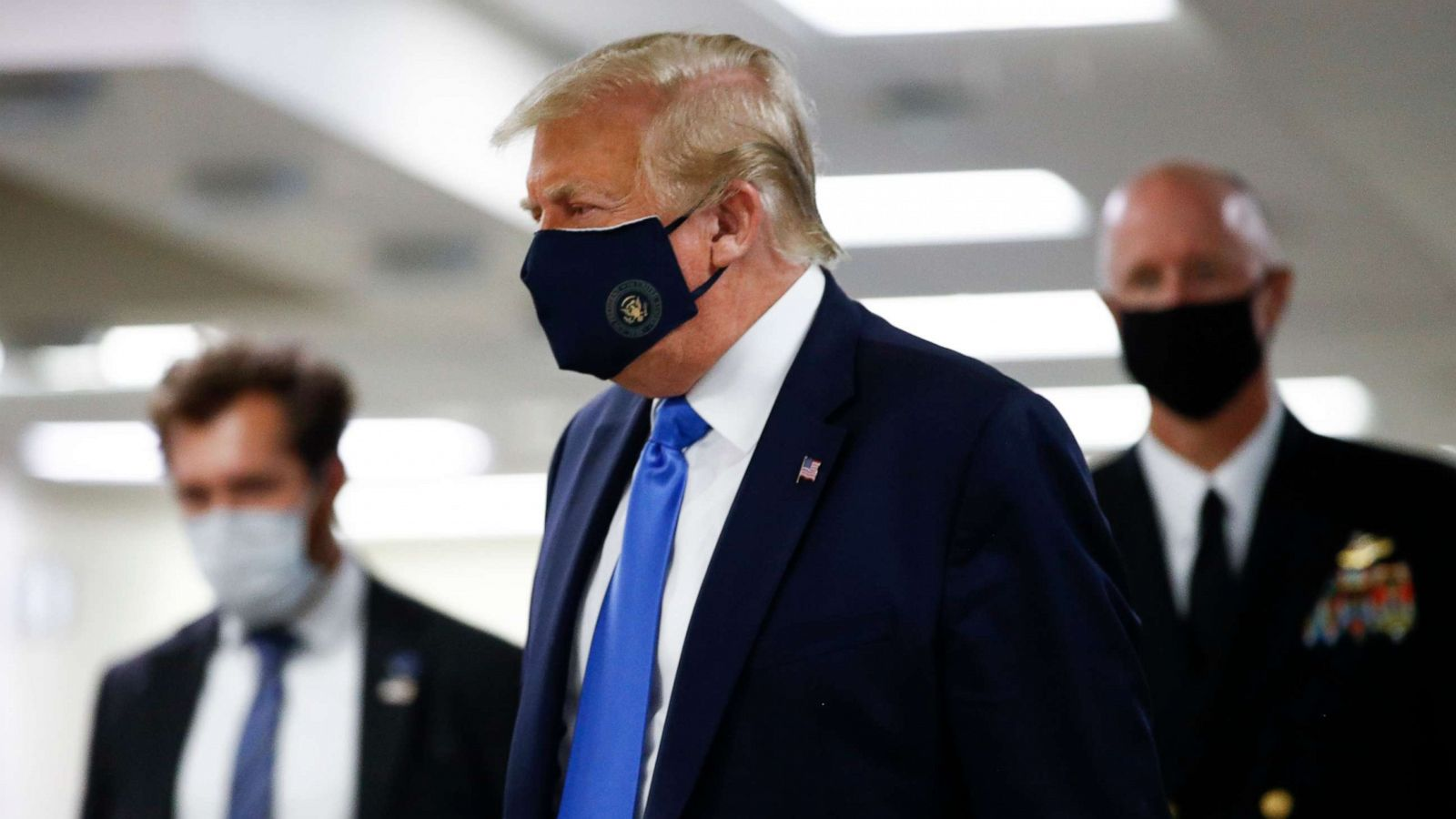 Trump wears mask in public for 1st time on visit to Walter Reed ...