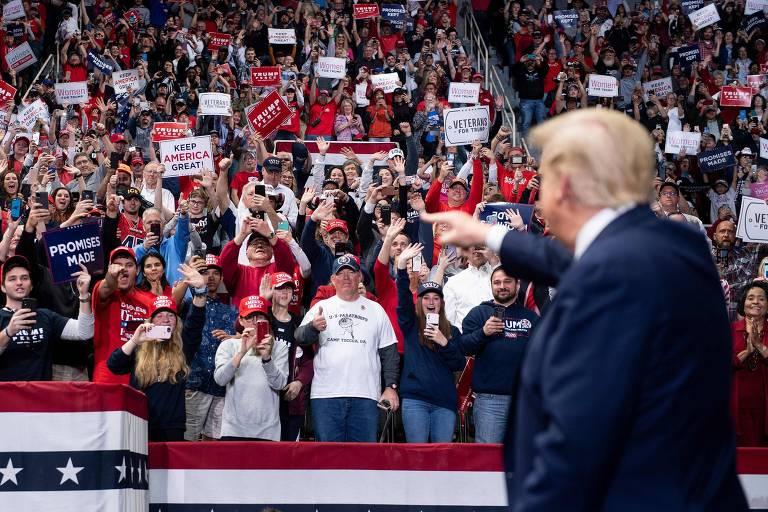 Facebook tira do ar anúncios enganosos da campanha de Trump sobre o censo -  05/03/2020 - Mundo - Folha