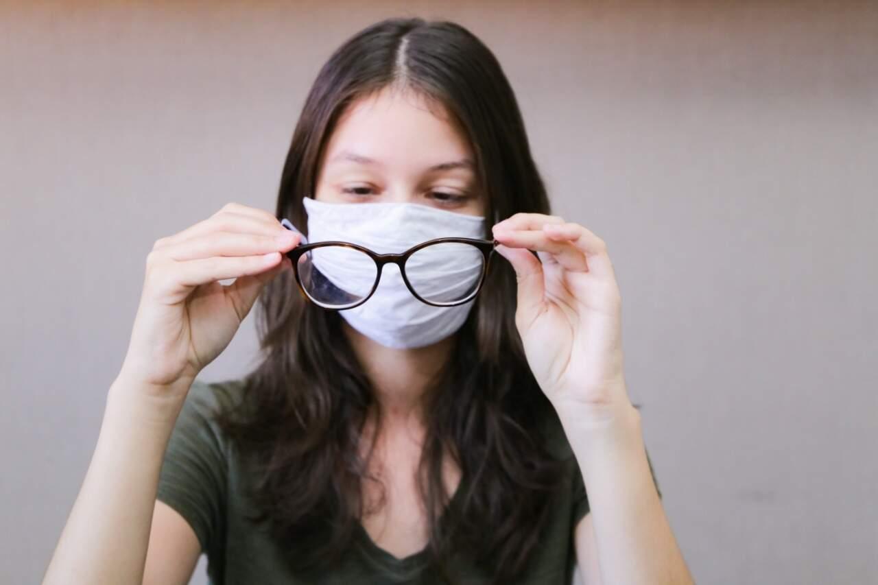Lente embaçou? Saiba usar máscara e óculos sem atrapalhar visão - Comportamento - Campo Grande News