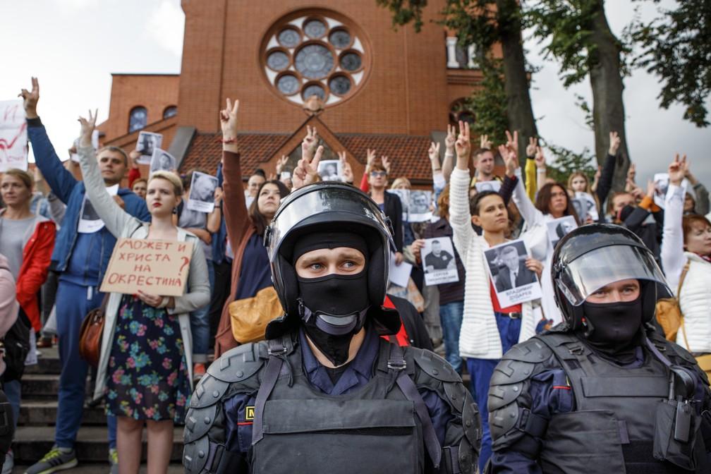 Putin diz que Rússia pode enviar policiais a Belarus para conter protestos contra Lukashenko | Mundo | G1