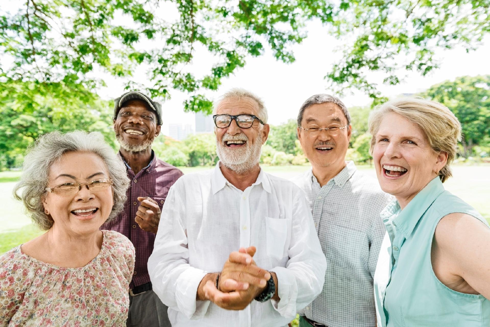 Para vida longa, amizade é mais relevante que parar de fumar, diz psicóloga - 16/05/2018 - UOL VivaBem