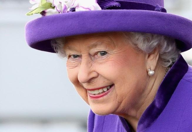 Rainha Elizabeth II celebra seus 92 anos com um concerto - Almanaque - HOME