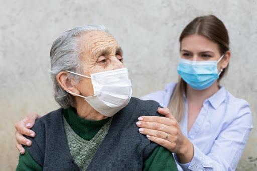Covid-19 em idosos: por que eles são mais vulneráveis ao novo coronavírus?  - Previva