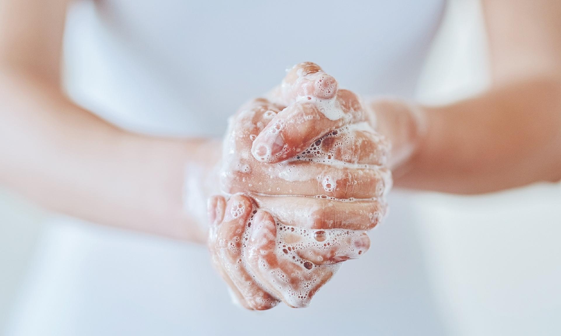 Lavar as mãos protege de herpes, gripe e viroses; veja como higienizá-las - 15/10/2019 - UOL VivaBem