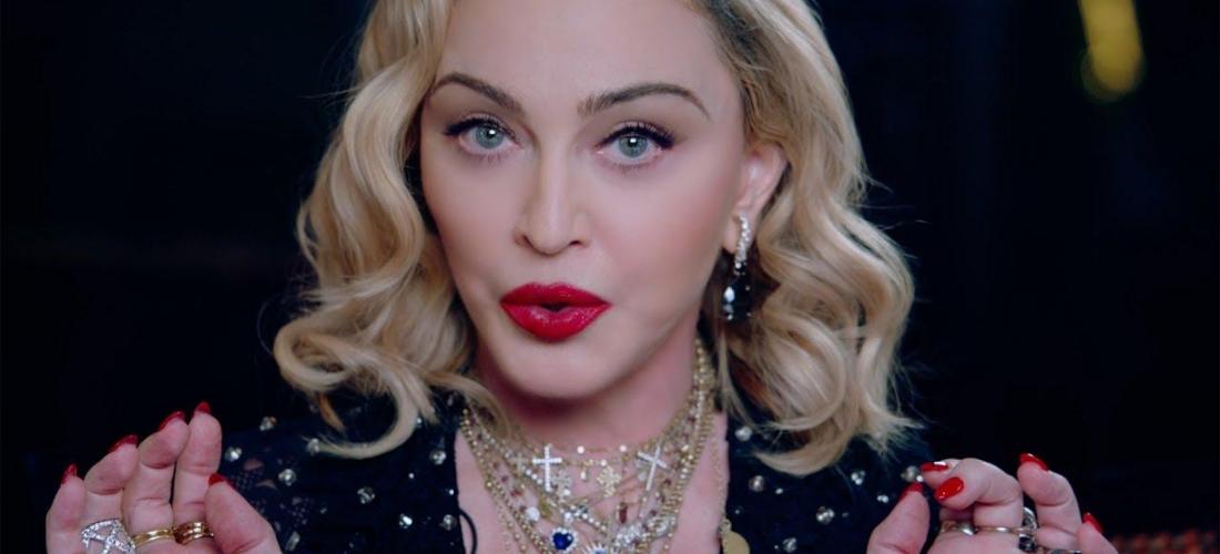 Madonna comemora aniversário de 62 anos na Jamaica e posa com cigarro de maconha - Folha PE