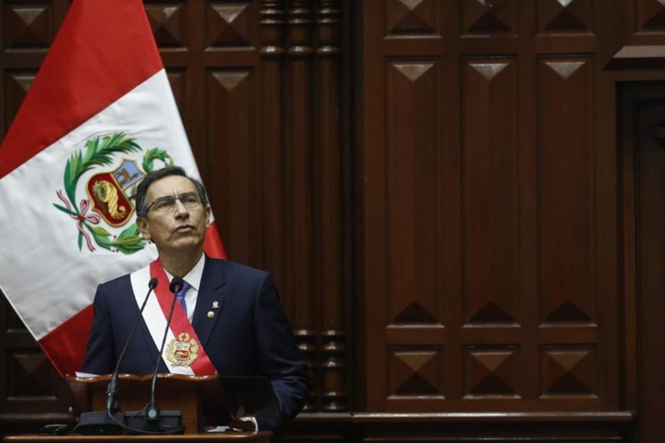 Pressão da Lava Jato sobre deputados amplia crise política no Peru