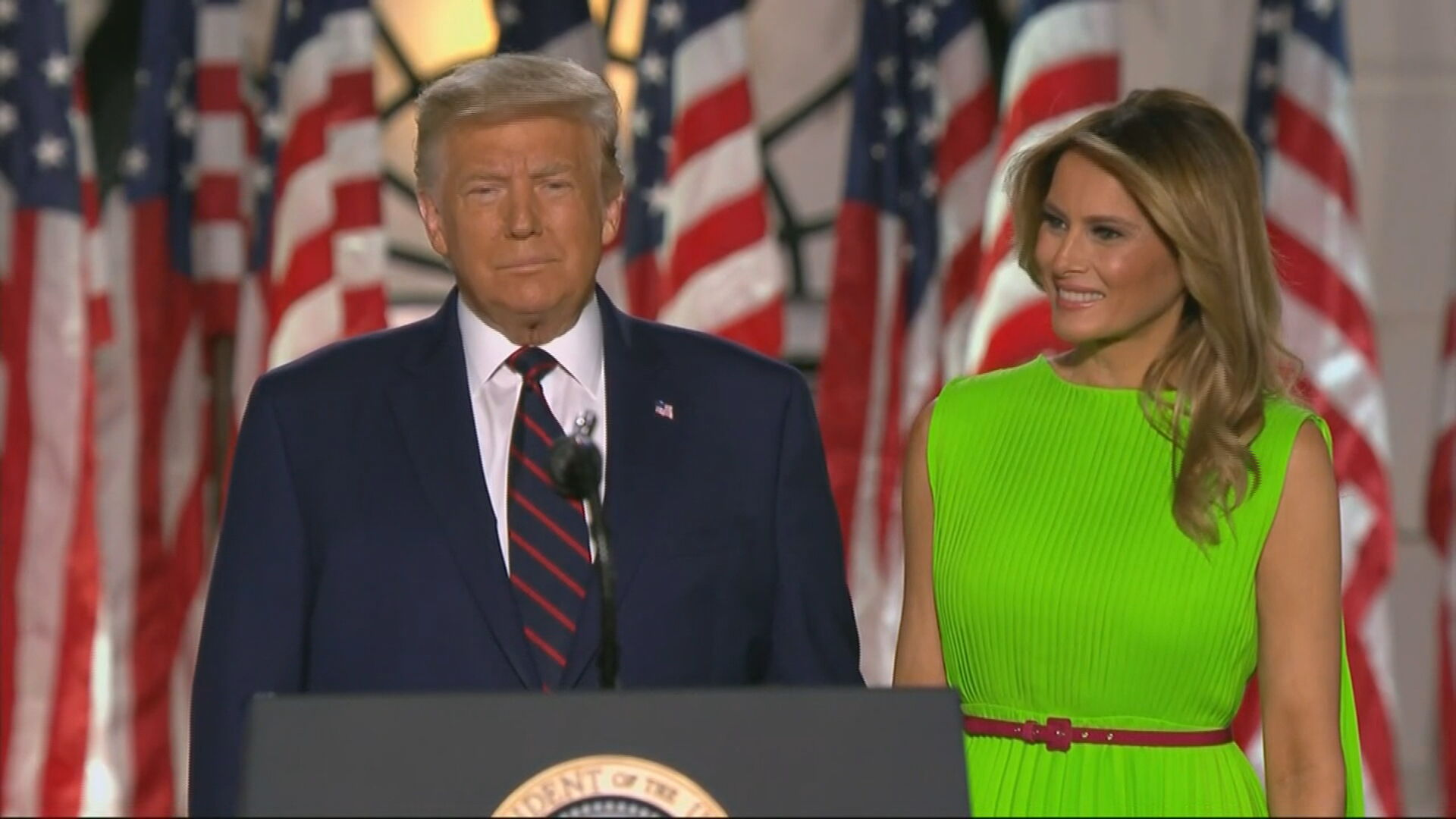 Donald e Melania Trump testam positivo para Covid-19 | CNN Brasil