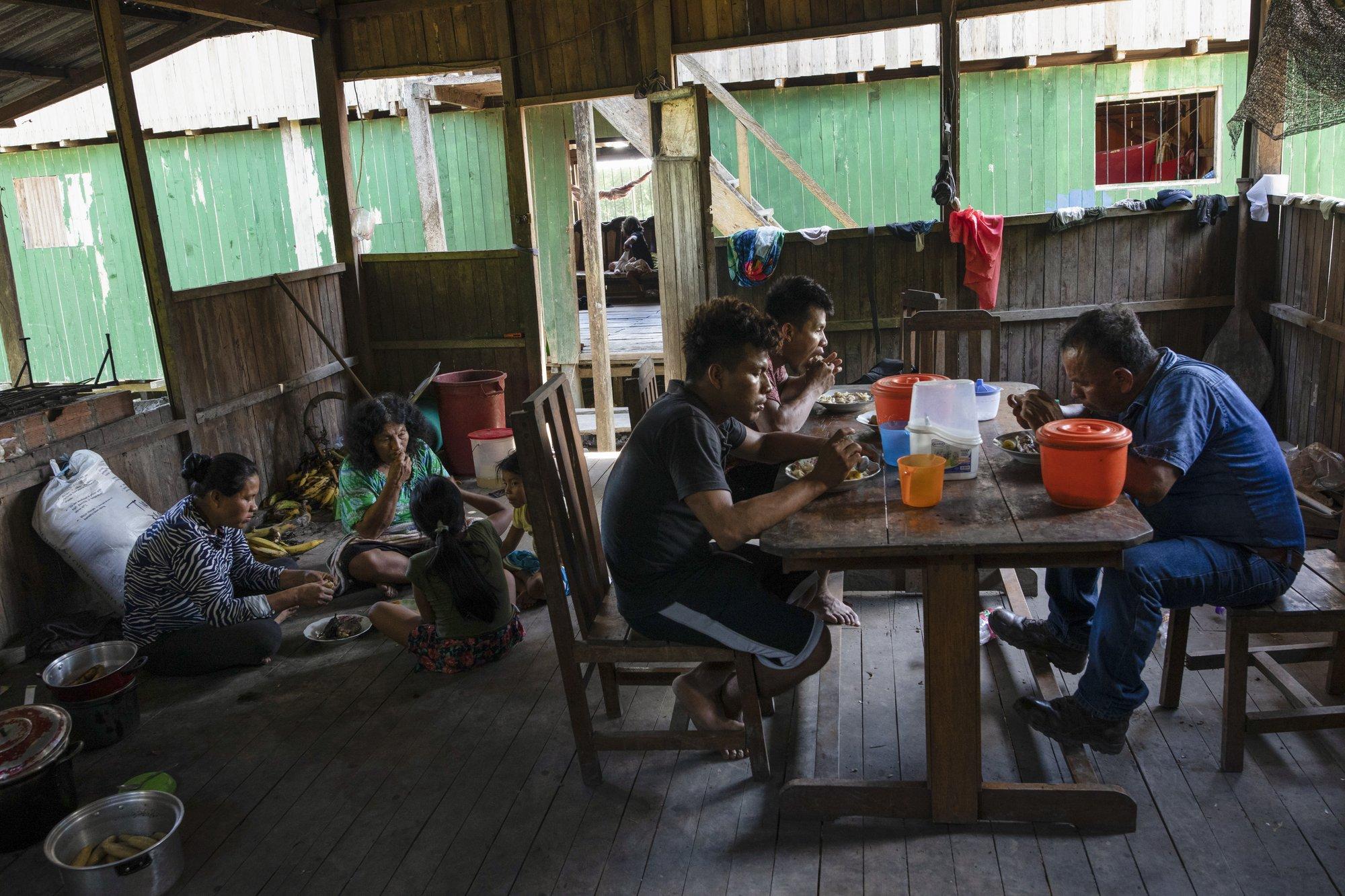 No Peru, a preocupação aumenta com casos de COVI-19 e Dengue
