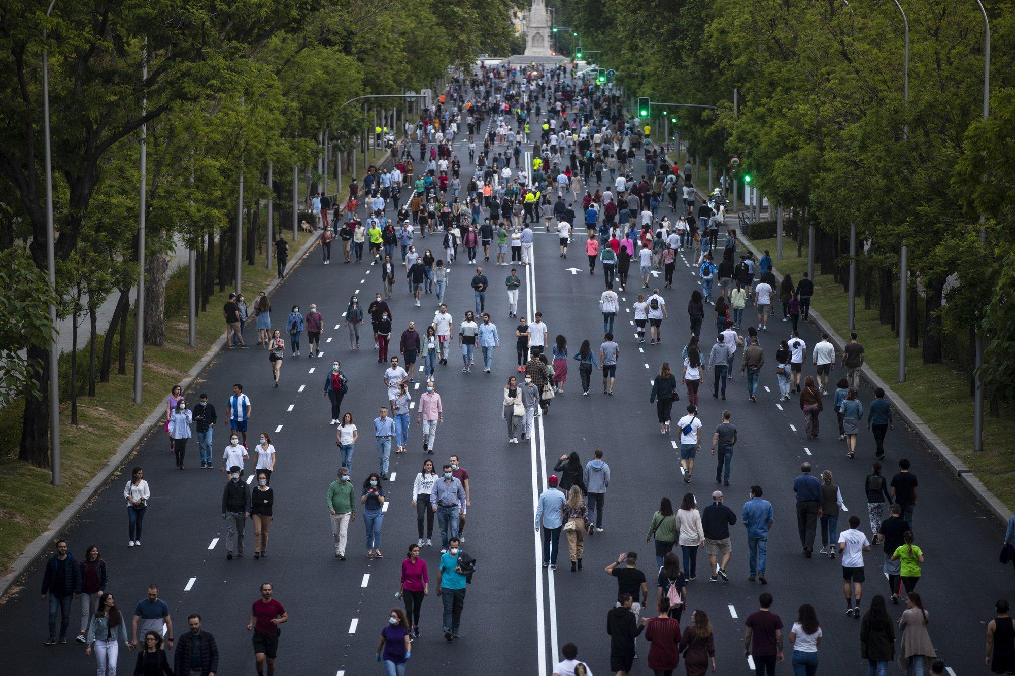Espanha atinge 1 milhão de casos COVID-19 confirmados