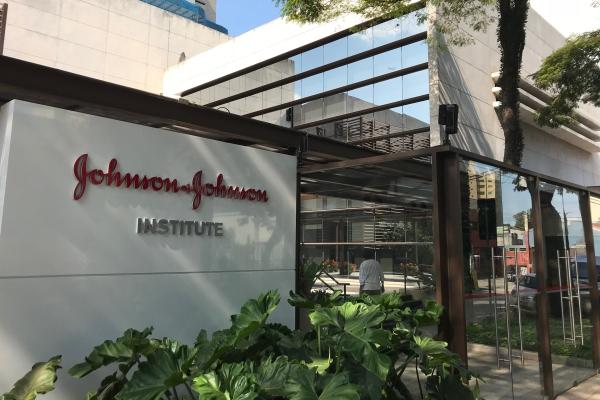 Johnson & Johnson apresenta moderno Instituto de Educação Médica Continuada  em São Paulo — Setor Saúde