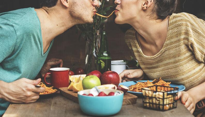 Se a saúde do seu coração está em risco, seu parceiro também deve ser examinado. Aqui está o porquê