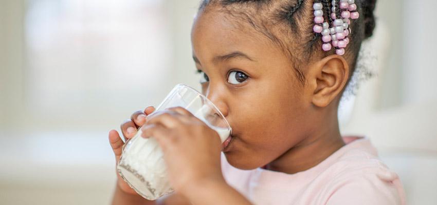 Intolerância à lactose: conheça seus sintomas e saiba como diagnosticar