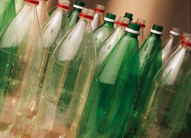 Como aplicar a logística reversa da garrafa PET e gerar renda? | VG Resíduos