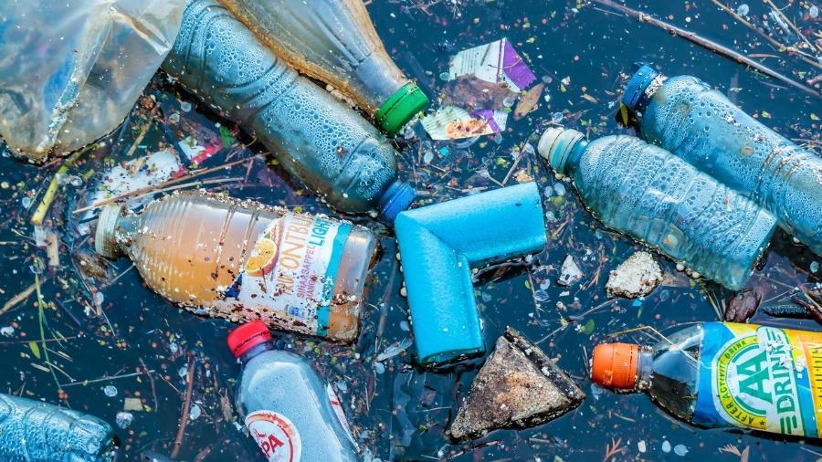 Oceano Atlântico - Plástico toma conta | Waves