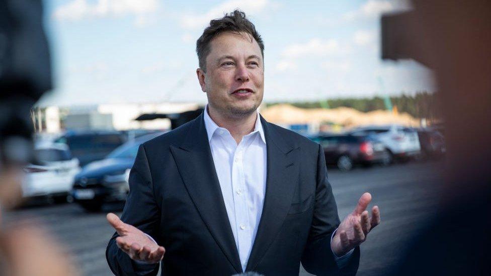 Elon Musk se torna a segunda pessoa mais rica do mundo