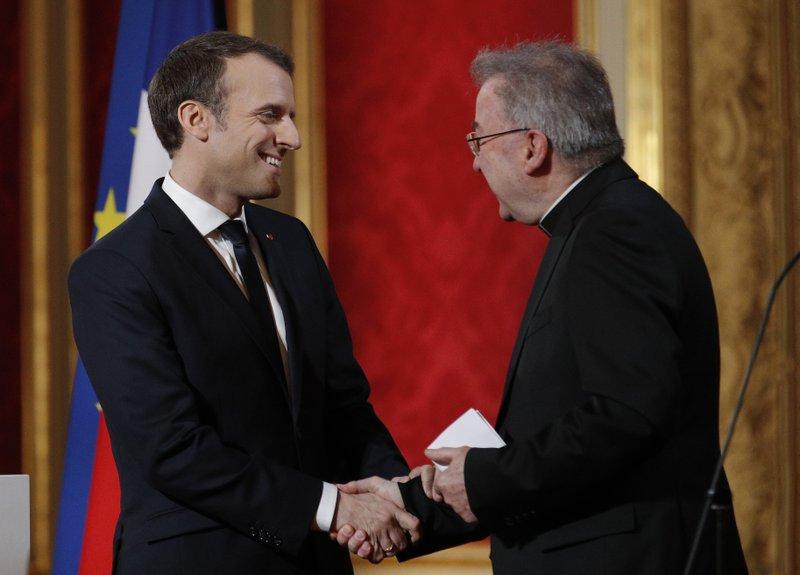 Ex-embaixador do Vaticano é acusado de agressão sexual na França