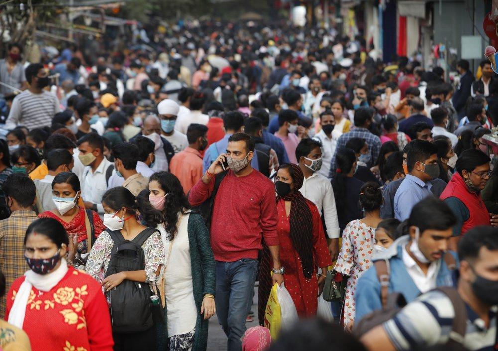 O clima festivo da Índia levanta temores de aumento do coronavírus