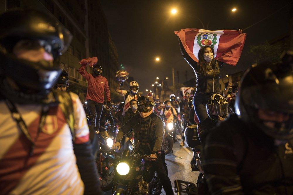 Peru agora não tem presidente e crise no país se torna caótica