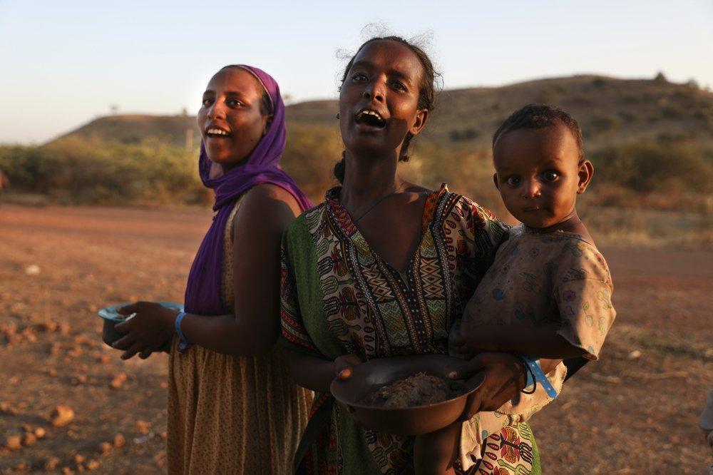 As múltiplas crises da Etiópia: Guerra, COVID-19, até gafanhotos