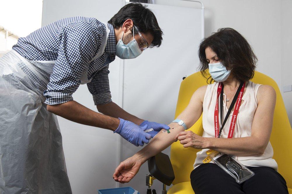 A terceira maior vacina COVID-19 mostrou-se eficaz e mais barata
