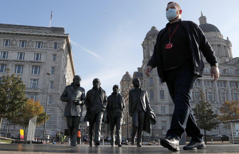 Reino Unido lançará testes rápidos de COVID-19 em Liverpool