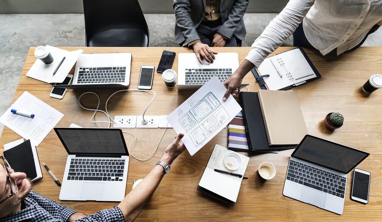 Ser interrompido no trabalho afeta os níveis de estresse de maneiras estranhas que nem percebemos