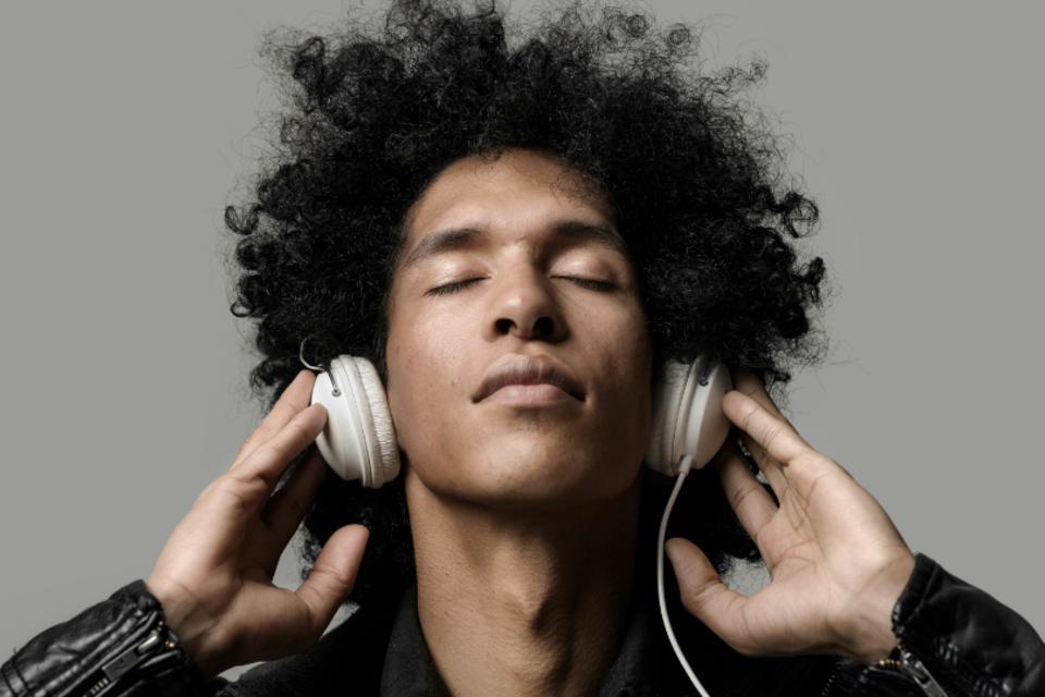 A música cria sensações extremamente prazerosas não só para o corpo, mas também para mente. Confira