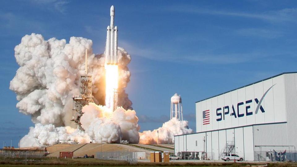 SpaceX adia o primeiro grande lançamento do protótipo de foguete de nave estelar