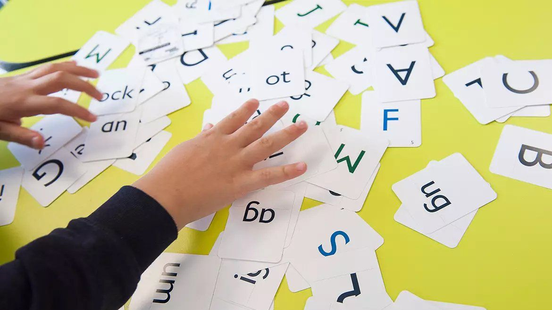 Neurocientistas descobriram que parte de nosso cérebro conta palavras reais além de sequências aleatórias