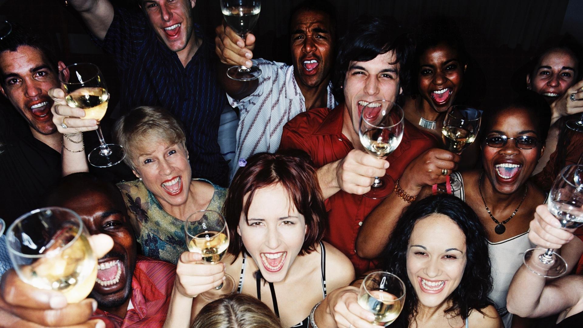 Os russos estão sendo instruídos a não beber antes e depois das vacinas COVID-19