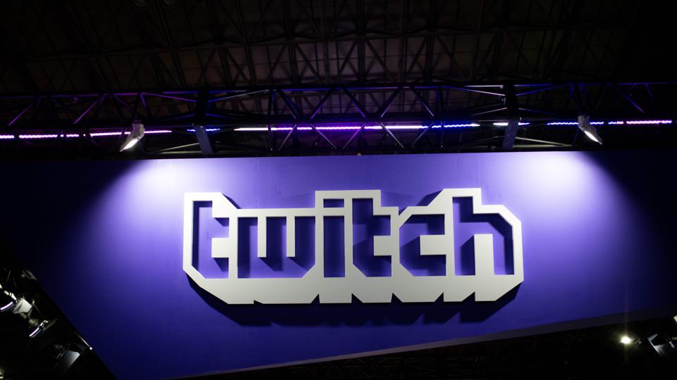 Proibição de Trump da rede social Twitch mantida mesmo após deixar o cargo