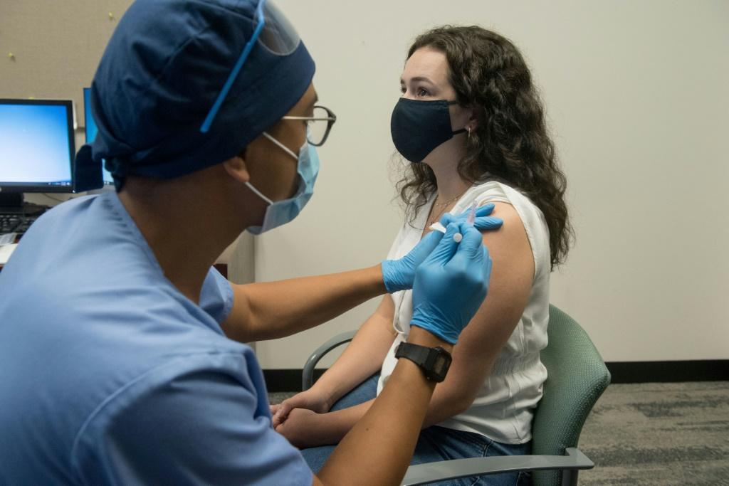 A complicada implementação da vacina Covid-19 na América